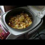 Готовим мясо с картошкой и капустой в мультиварке